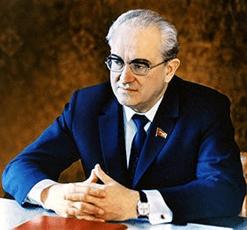 По чьим трупам шли к власти Андропов и Горбачев